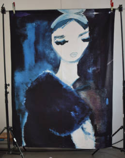 Wandkleed Lady in blue